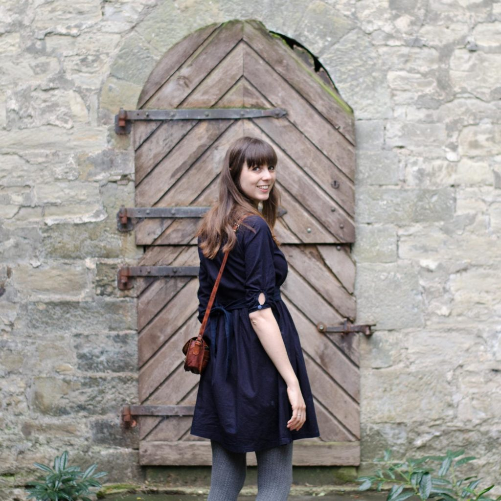 Vintage-Blusenkleid im 60er-Jahre-Stil nähen, Schnittmuster Irenes Kleid von Lotte & Ludwig, mit Bewegungsfalte am Rücken und 3/4 Ärmeln